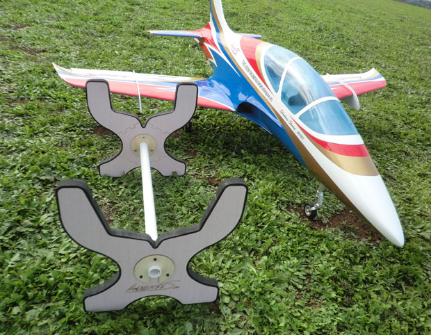 Avanti S Jet , <b>Field folding model stand</b> (SebArt)